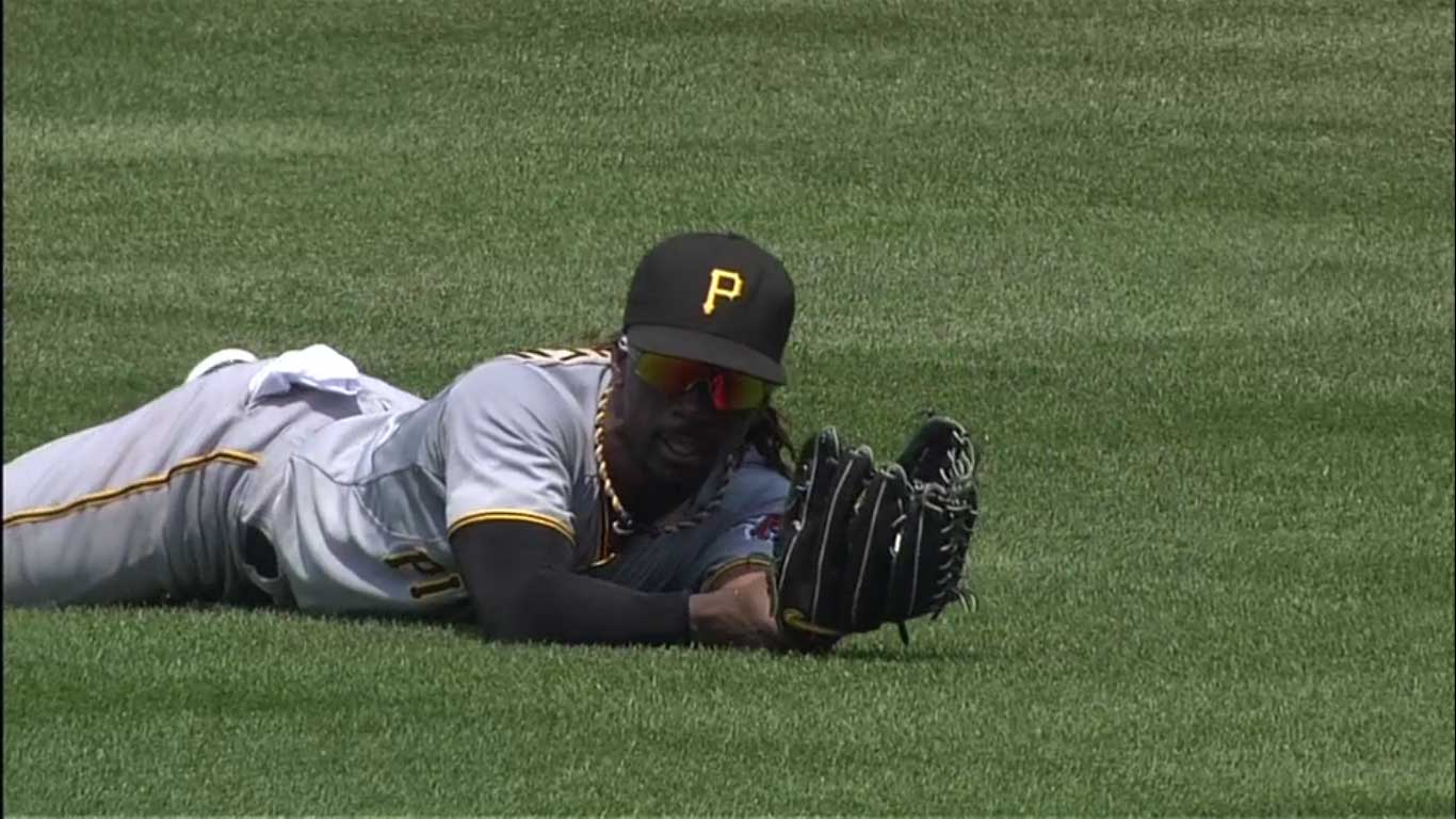 andrew-mccutchen-glove-screen